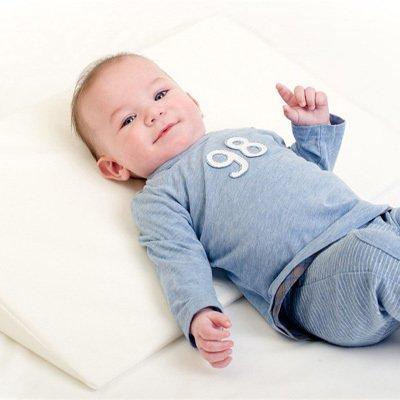 ska man ha kudde till nyfödd