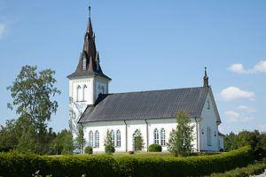 Döpas i kyrkan