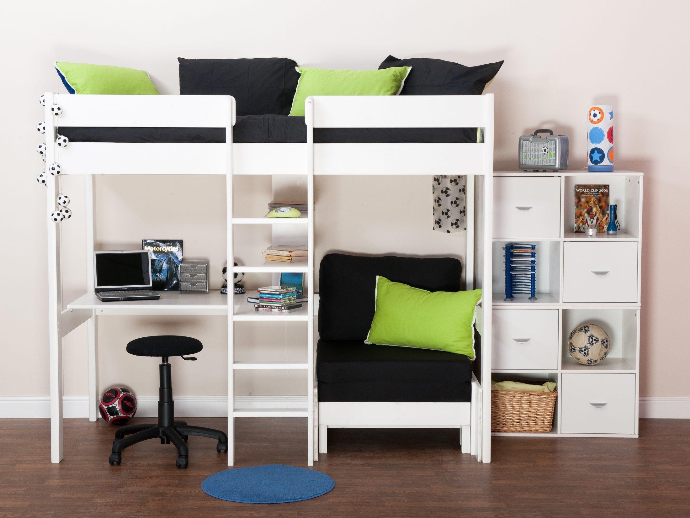 Sovrum för barn med tre säng (varav två utdragssängar